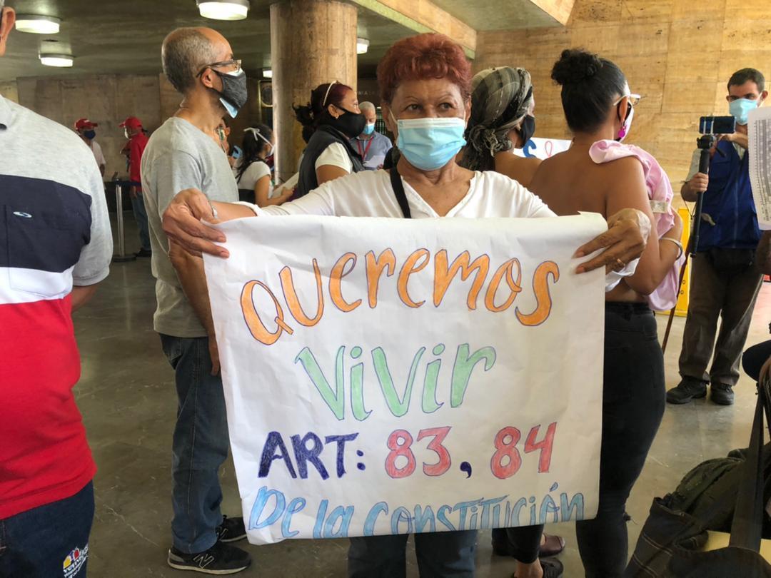 Pacientes oncológicos protestan por medicamentos e insumos frente al Ministerio de Salud #27May (VIDEO)